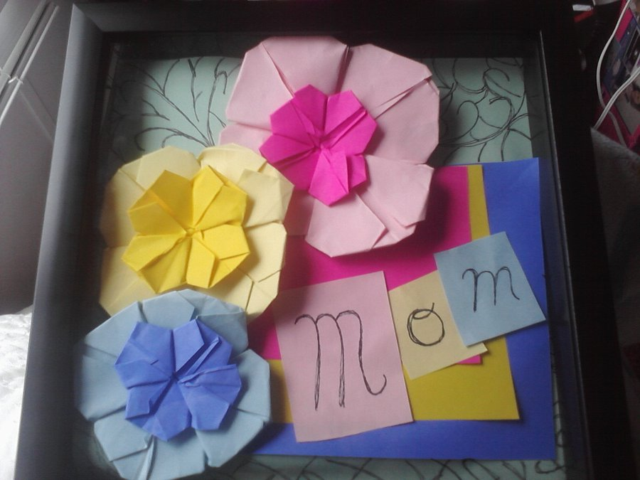 mother__s_day_origami_shadowbox_by_invaderzimfan1-d4zm657
